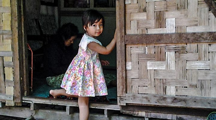 Poor Workers Grow Desperate for Food As Restrictions Increase in Burma, God Works Miracles for Local Missionaries to Share the Gospel